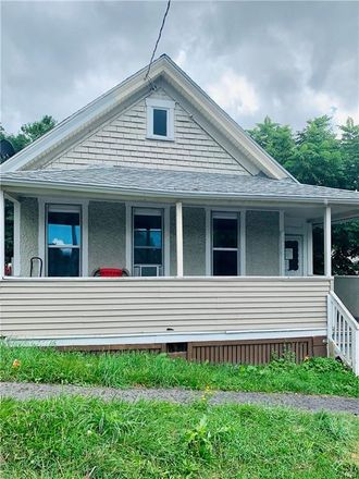 Rent this 4 bed house on 804 East Division Street in Syracuse, NY 13208