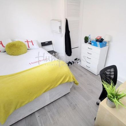 Rent this 2 bed room on Nara Sushi in 178-180 Albert Road, Portsmouth PO4 0JT