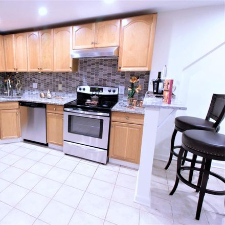 Rent this 2 bed townhouse on 131 R Street Northeast in Washington, DC 20002