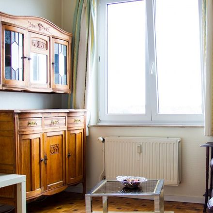 Rent this 1 bed apartment on Athénée Royal Jean Absil in Avenue du Onze Novembre - Elf Novemberlaan, 1040 Etterbeek