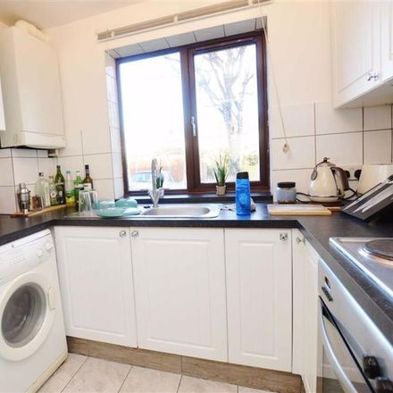 Rent this 1 bed apartment on St Paul's Court in Reading RG1 6JT, United Kingdom