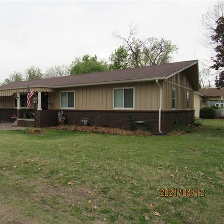 Rent this 3 bed house on 106 Monroe Street in Pauls Valley, OK 73075