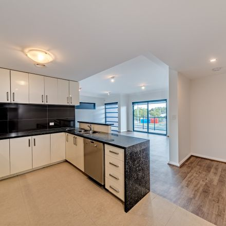Rent this 3 bed house on 3/84 Fitzgerald Street