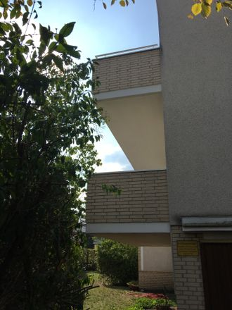 Rent this 2 bed apartment on Am Schafbrinke 64A in 30519 Hanover, Germany