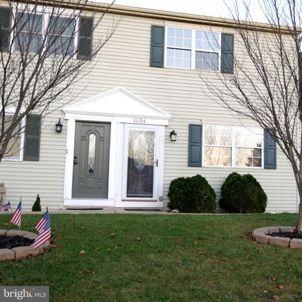 Rent this 3 bed condo on 1634 Blue Jay Drive in Dover Township, PA 17315