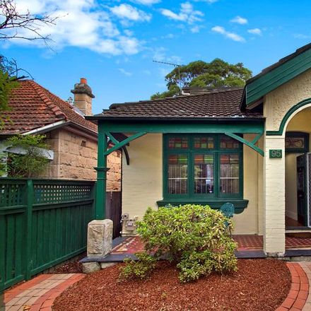 Rent this 3 bed house on 95 Chandos Street