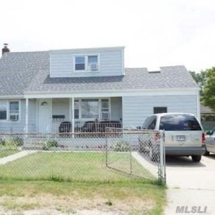 Rent this 4 bed house on 385 46th Street in Lindenhurst, NY 11757