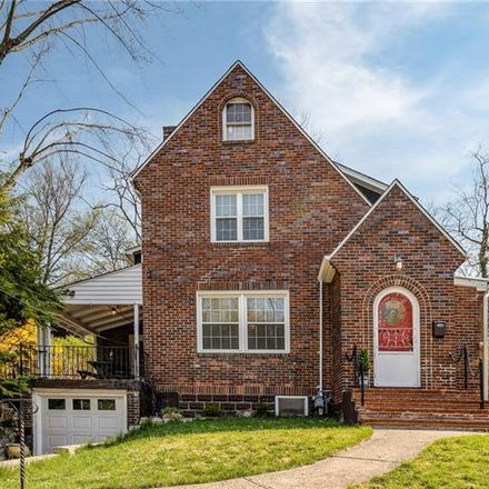 Rent this 4 bed house on 19 Brucewood Drive in Mount Lebanon, PA 15228