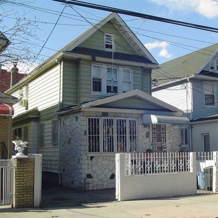 Rent this 3 bed house on 90th Avenue in New York, NY 11432