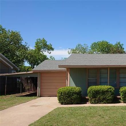 Rent this 2 bed house on 2118 Edgemont Drive in Abilene, TX 79605