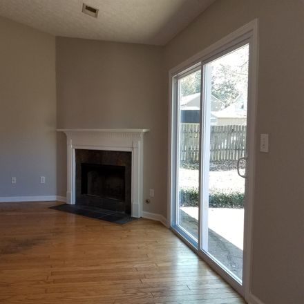 Rent this 3 bed house on Chippewa Dr SE in Acworth, GA