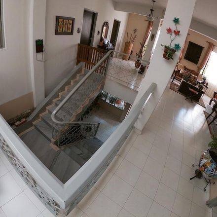 Rent this 6 bed apartment on Calle 16 Oeste in Bellavista, 760101 Perímetro Urbano Santiago de Cali