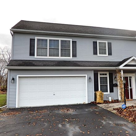 Rent this 3 bed townhouse on 16 Simmons Avenue in City of Cohoes, NY 12047