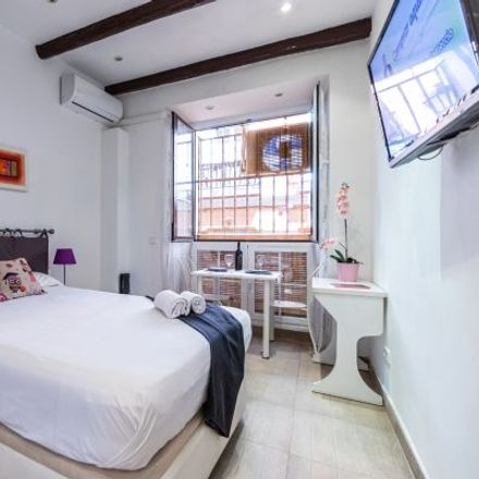 Rent this 1 bed apartment on Hostal Río Miño in Calle de Barbieri, 3
