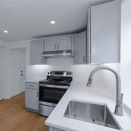 Rent this 3 bed apartment on 153 Southside Avenue in Town of Greenburgh, NY 10706