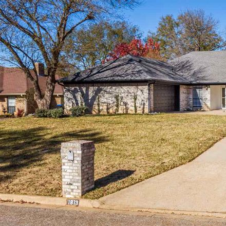 Rent this 3 bed house on 1813 McCord Street in Longview, TX 75605