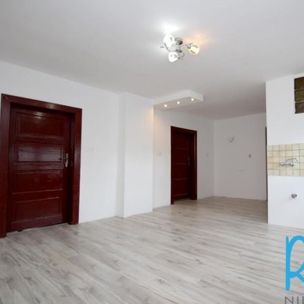 Rent this 3 bed apartment on Lotnisko Gliwice-Trynek in Liliowa, 44-122 Gliwice