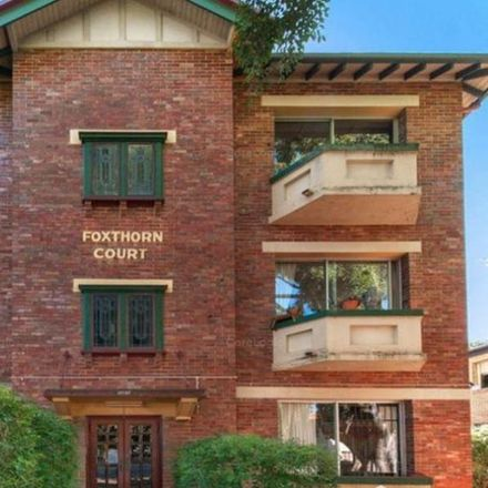 Rent this 2 bed apartment on 2/125 Moreton St