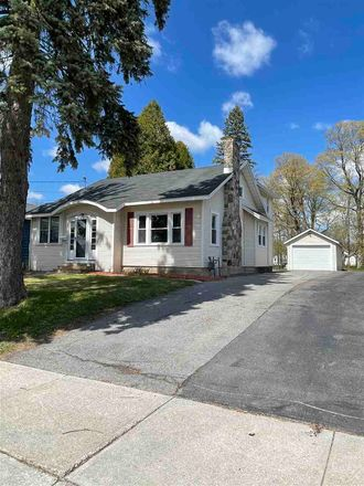 Rent this 3 bed house on 22 West Hatfield Street in Massena, NY 13662