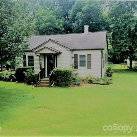 Rent this 3 bed house on 1998 Lynwood Drive in Lancaster, SC 29720