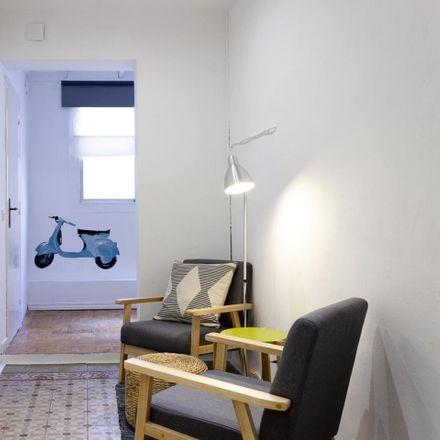 Rent this 5 bed room on Carrer Gran de Gràcia in 239, 08012 Barcelona