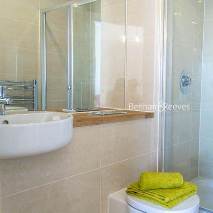 Rent this 2 bed apartment on Craig Tower in 1 Aqua Vista Square, London E3 4EF
