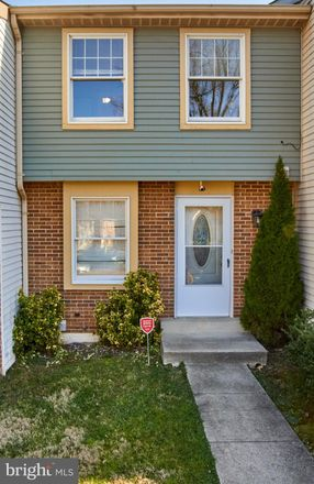 Rent this 2 bed townhouse on 25 Cross Ridge Court in Germantown, MD 20874