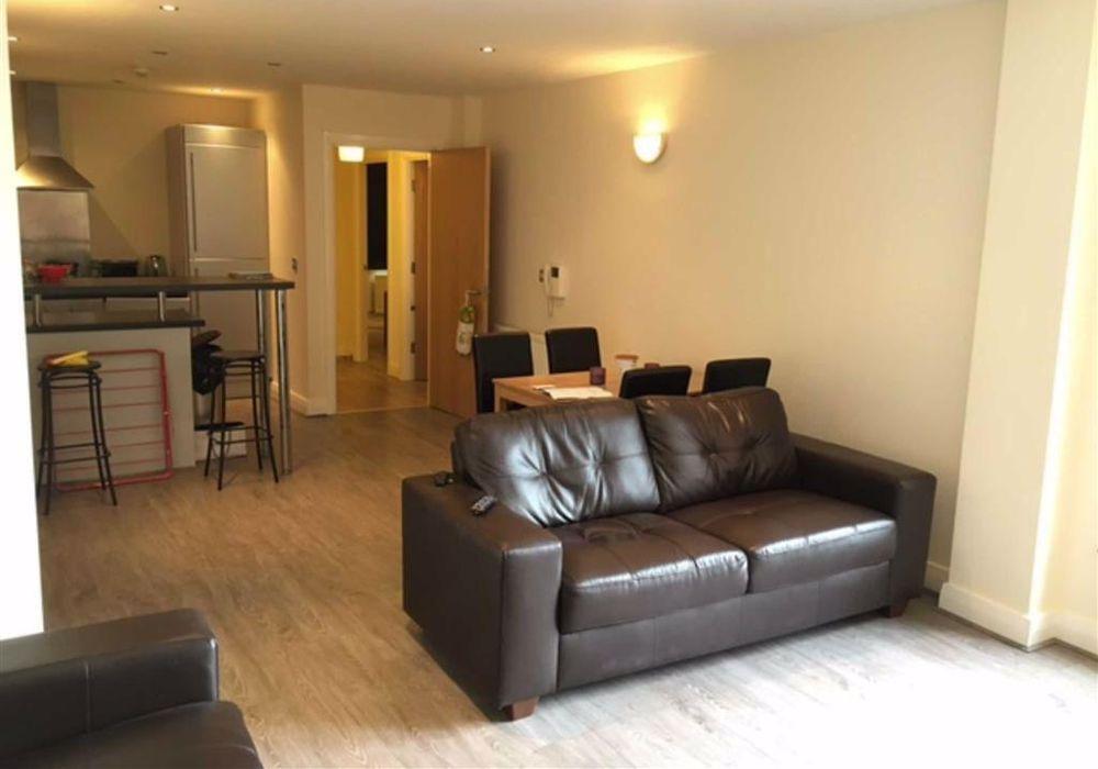 2 Bed Apartment At Castlefield Locks 62 Ellesmere Street