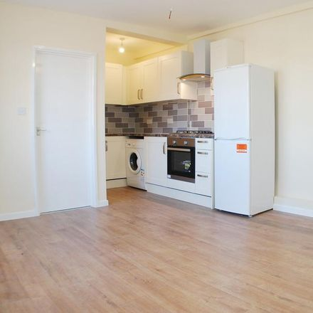 Rent this 3 bed apartment on 24 Uxbridge Road in London UB10 0LJ, United Kingdom