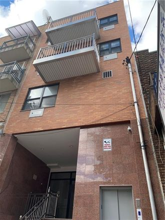Rent this 4 bed townhouse on 55th St in Brooklyn, NY
