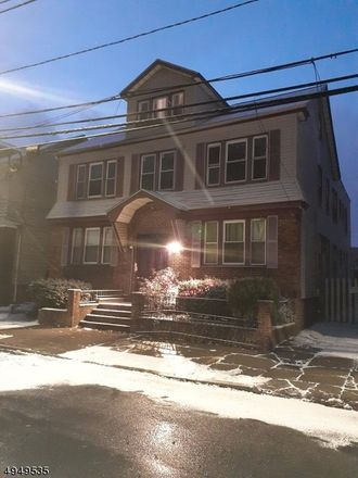 Rent this 3 bed townhouse on 425 Leslie Street in Hillside, NJ 07112