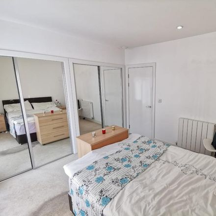 Rent this 1 bed apartment on Harris Lodge (1-22) in Dowding Drive, London SE9 6BY