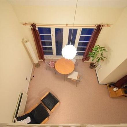 Rent this 2 bed apartment on Grand Union Canal in Dacorum HP3 9WQ, United Kingdom