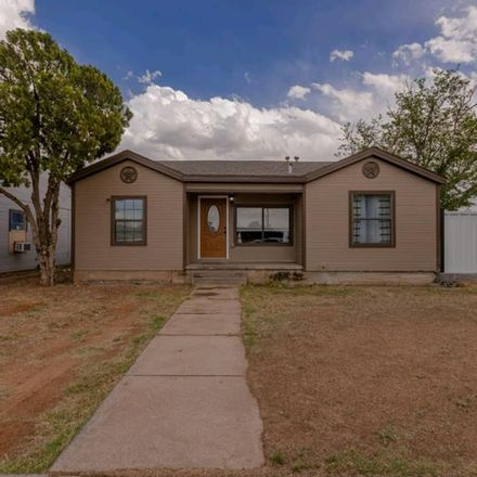 Rent this 3 bed house on 411 West Nobles Avenue in Midland, TX 79701