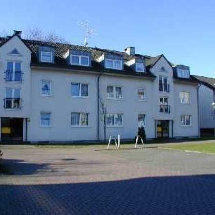 Rent this 3 bed apartment on Walther-von-der-Vogelweide-Straße 20 in 47167 Duisburg, Germany