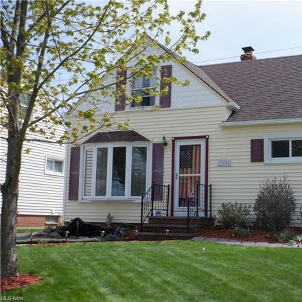 Rent this 3 bed house on 13508 Oak Park Boulevard in Garfield Heights, OH 44125