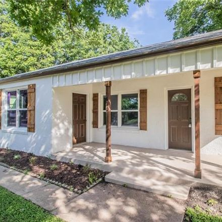 Rent this 3 bed house on 610 Marengo Street in Cleburne, TX 76033