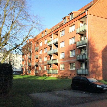 Rent this 2 bed apartment on Schöneberger Straße in 25421 Pinneberg, Germany