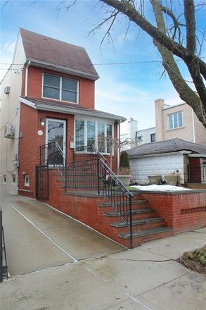Rent this 3 bed house on 78th St in Brooklyn, NY