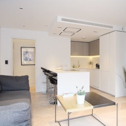 Rent this 3 bed apartment on Rebecca Hossack Art Gallery in 28 Charlotte Street, London W1T 2LW