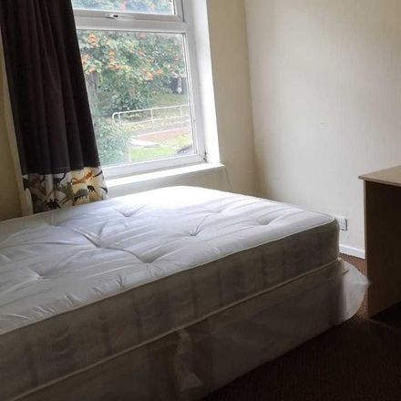 Rent this 4 bed house on St John's Close in Leeds LS6 1SE, United Kingdom