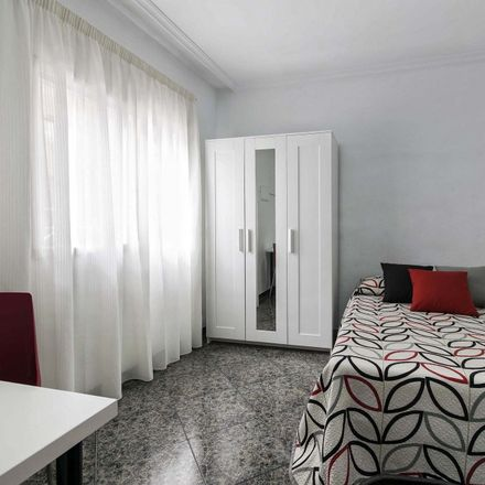 Rent this 5 bed room on Mercat Municipal in calle Tomás Capelo, 03550 Sant Joan d'Alacant