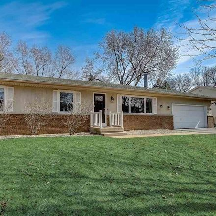 Rent this 3 bed house on 1002 Winston Way in Waunakee, WI 53597