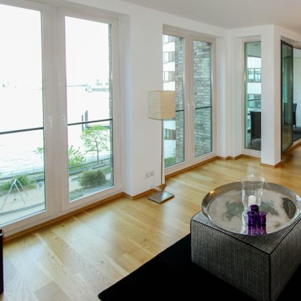 Rent this 3 bed apartment on 20457 Hamburg