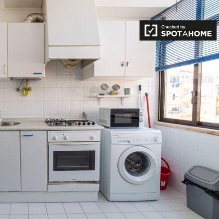 Rent this 1 bed apartment on Modelo Continente in Rua da Escola de Medicina Veterinária, 1150-132 Lisbon