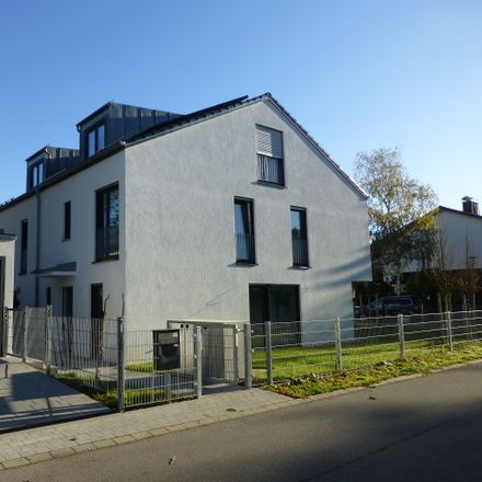 Rent this 6 bed duplex on Siemens Deutschland Niederlassung München in Otto-Hahn-Ring, 81739 Munich