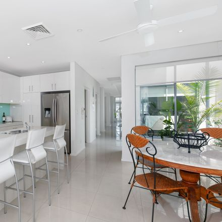 Rent this 4 bed townhouse on 98 Pittwater  Road
