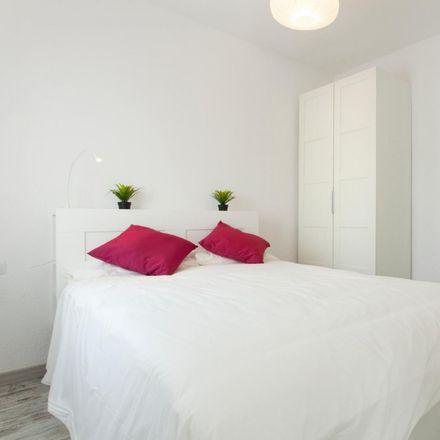 Rent this 1 bed apartment on Es in Travessera de Gràcia, 08001 Barcelona