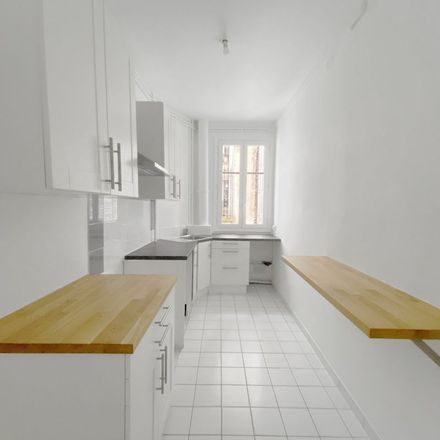 Rent this 4 bed apartment on 27 Rue Péclet in 75015 Paris, France