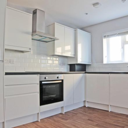 Rent this 1 bed apartment on The Queens Head in High Street, London BR7 5AN